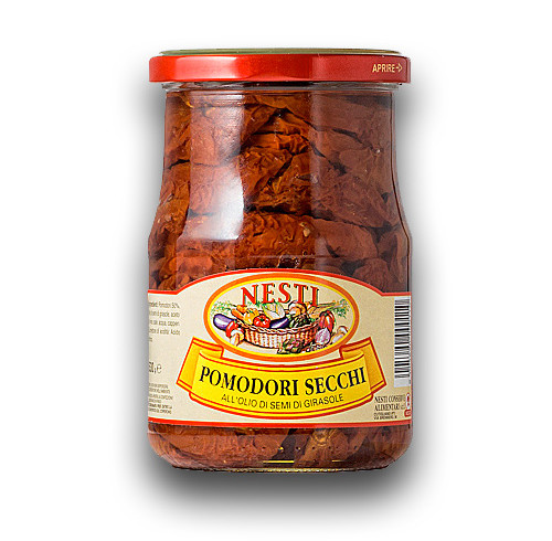 """Salad with tomatoes preserved in oil """"nesti"""""""